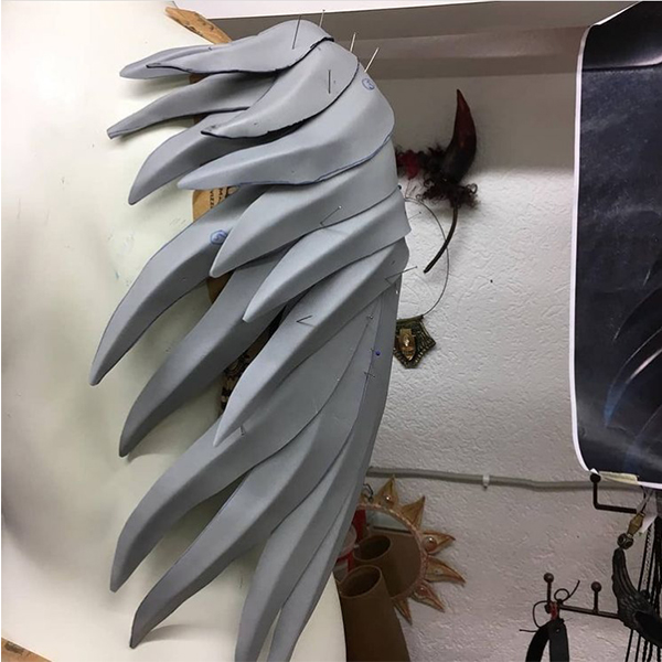 Mockingjay feathers with EVA-Foam by artymus.garage